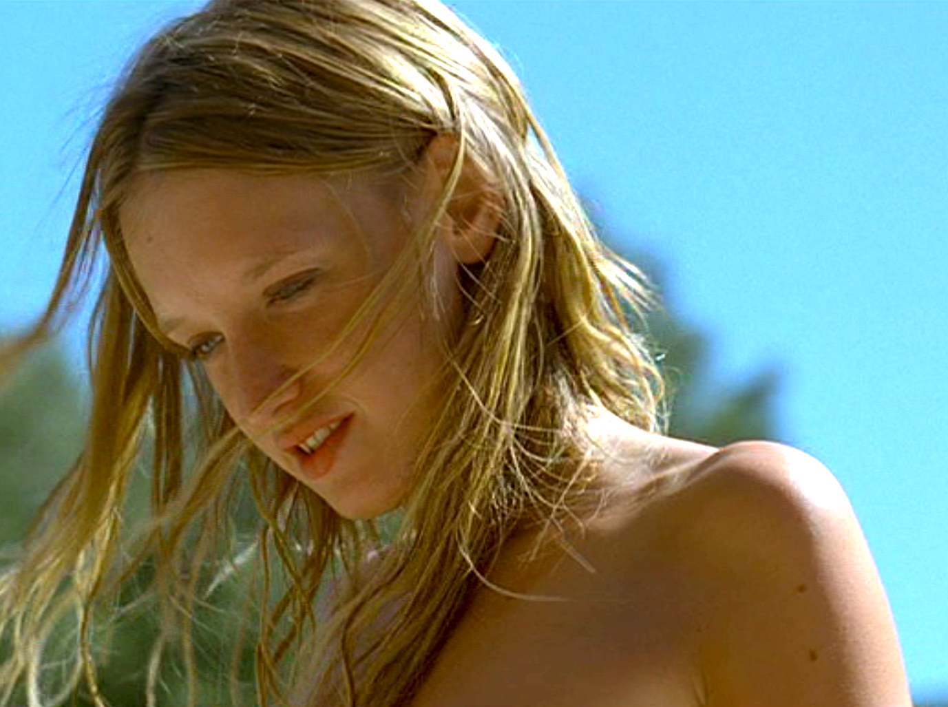 Ludivine sagnier swimming pool by fran ois ozon color inspiration pinterest ludivine for Swimming pool 2003 movie online