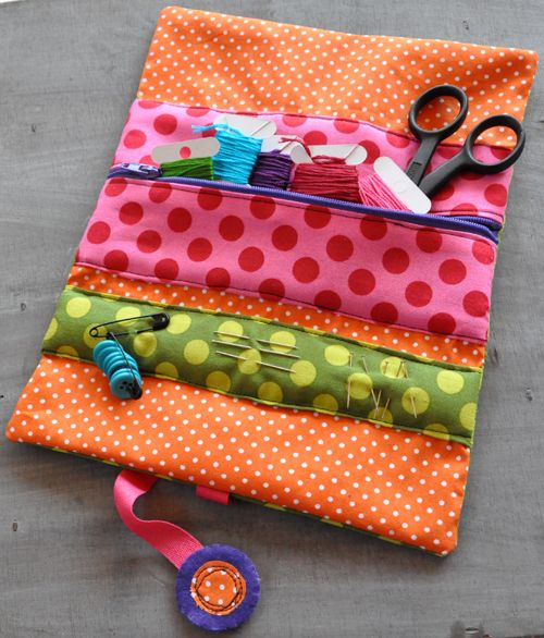 Trousse couture nomade cousette gadgets pinterest for Trousse couture