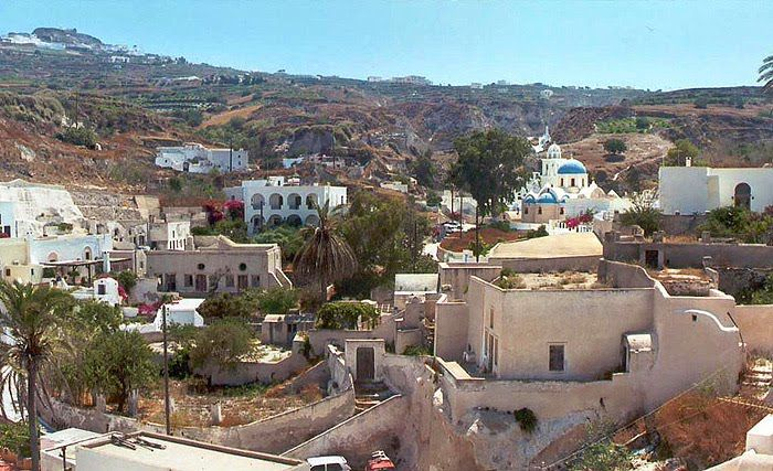 The most mysterious village in Santorini