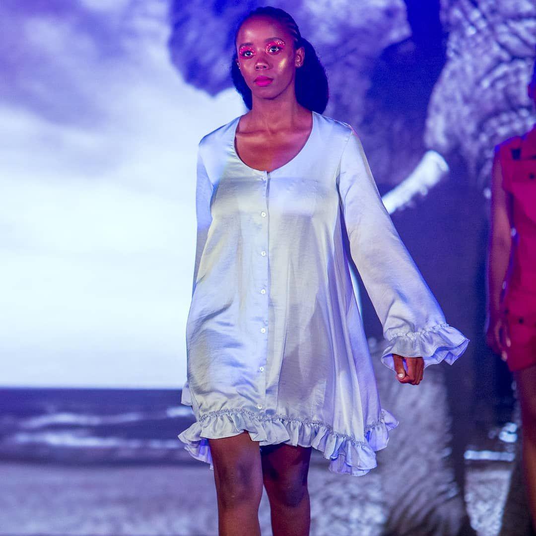 Weisse Glocke Armel Hohe Taille Minikleid South African Fashion Fashion African Fashion