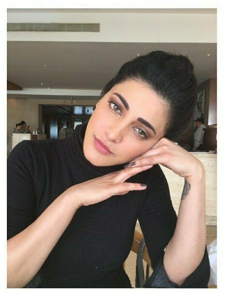 Pin by Souvik Das on Shruti Hassan | Bollywood celebrities ...