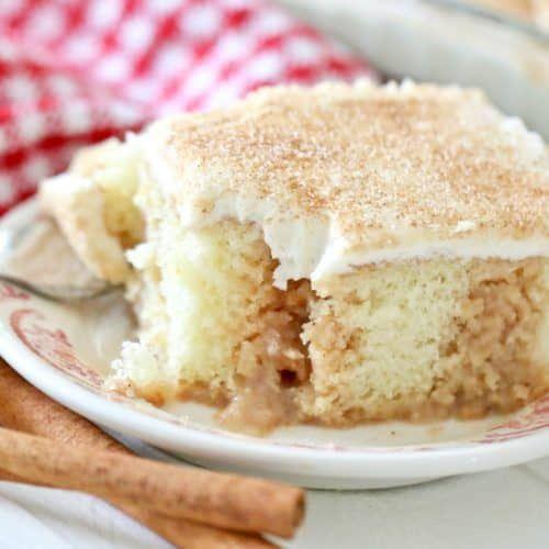 Cinnamon roll poke cake #cinnamonrollpokecake