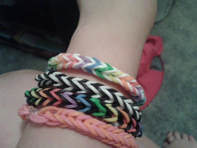 Cool fishtail rubber band braclets the color the color choices are awesome!
