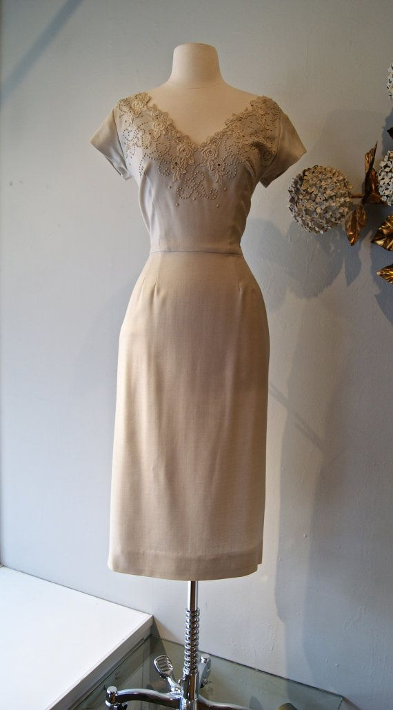 50s Dress // Vintage 1950s Linen and Lace Wiggle by xtabayvintage ...