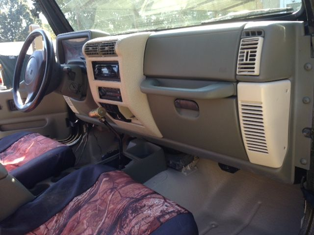 The Jeeps Custom Interior Jeep Wj Jeep Tj Jeep Interiors