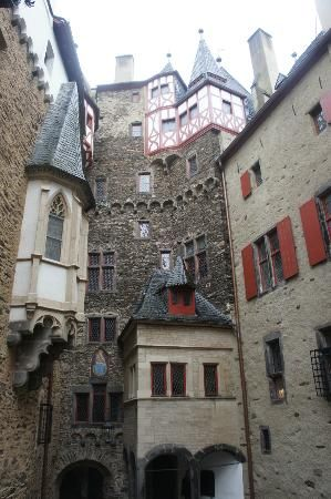 Burg Eltz Castle Pictures Interior Burg Eltz Photo Well Preserved Cramped Interior Castle Pictures Burg Eltz Castle Castle