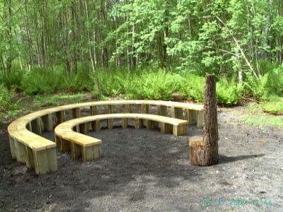 Google Image Result for http://2.bp.blogspot.com/-3ShwJVem8C4/UDFlVjeJkXI/AAAAAAAAAQY/eQtmnpmyDhw/s1600/Outdoor_Classroom_Horseshoe_bench.jpg