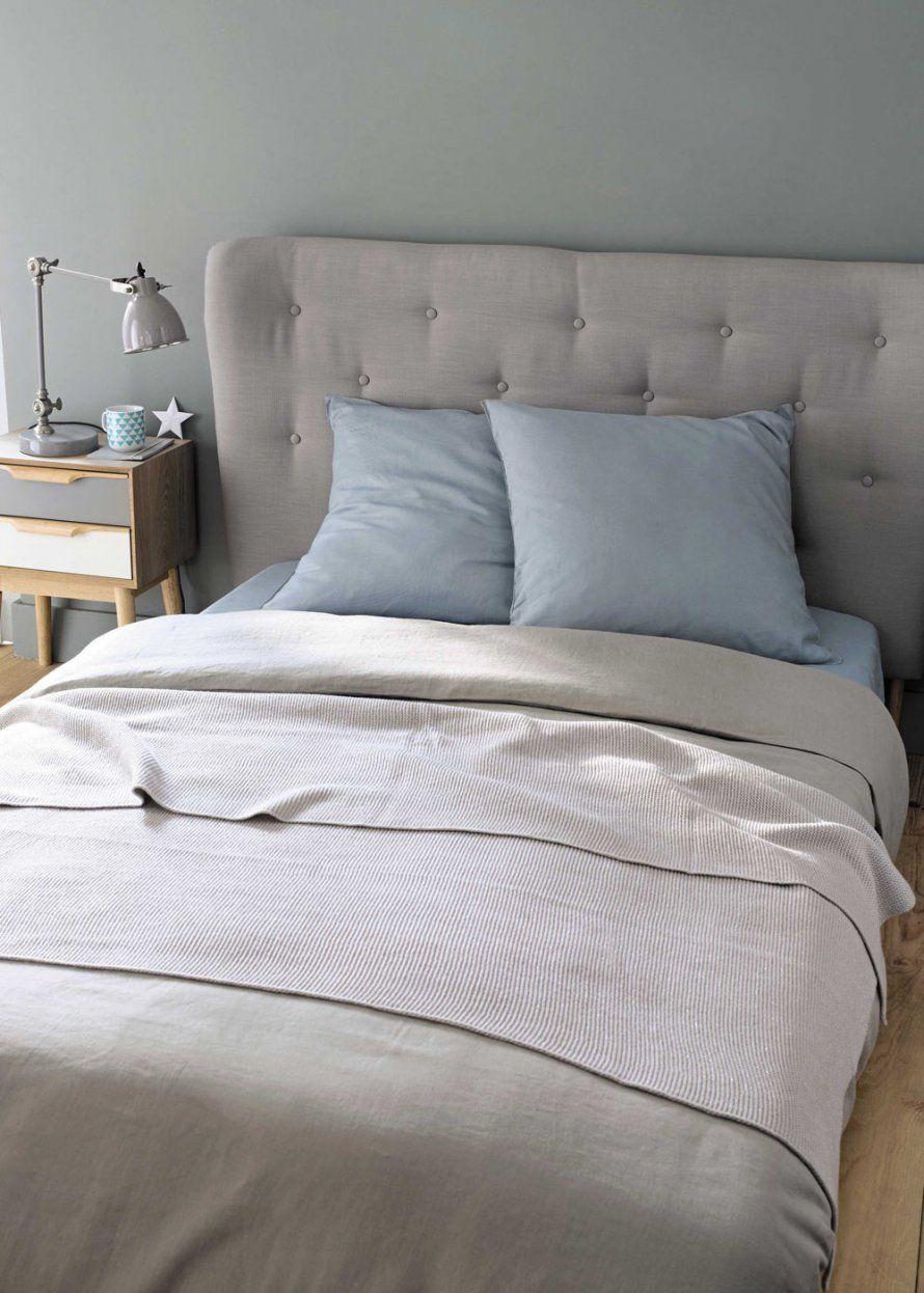 une tête de lit cosy, caravane | chambre / bedroom | lit capitonné