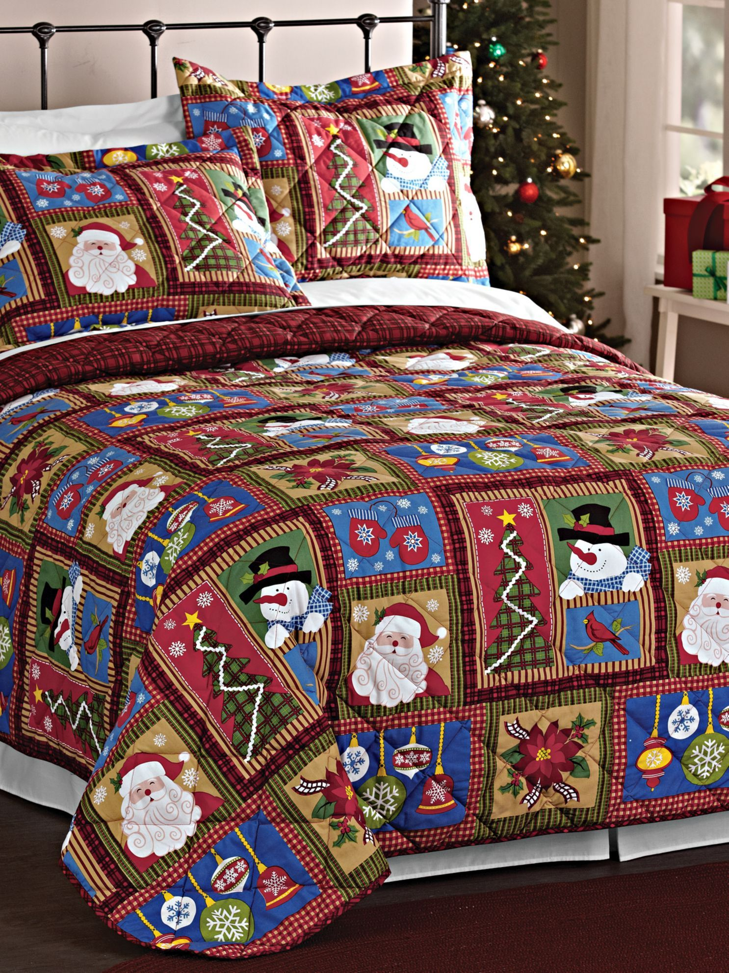 Holiday Patchwork Quilt Set Christmas Bedding Quilt