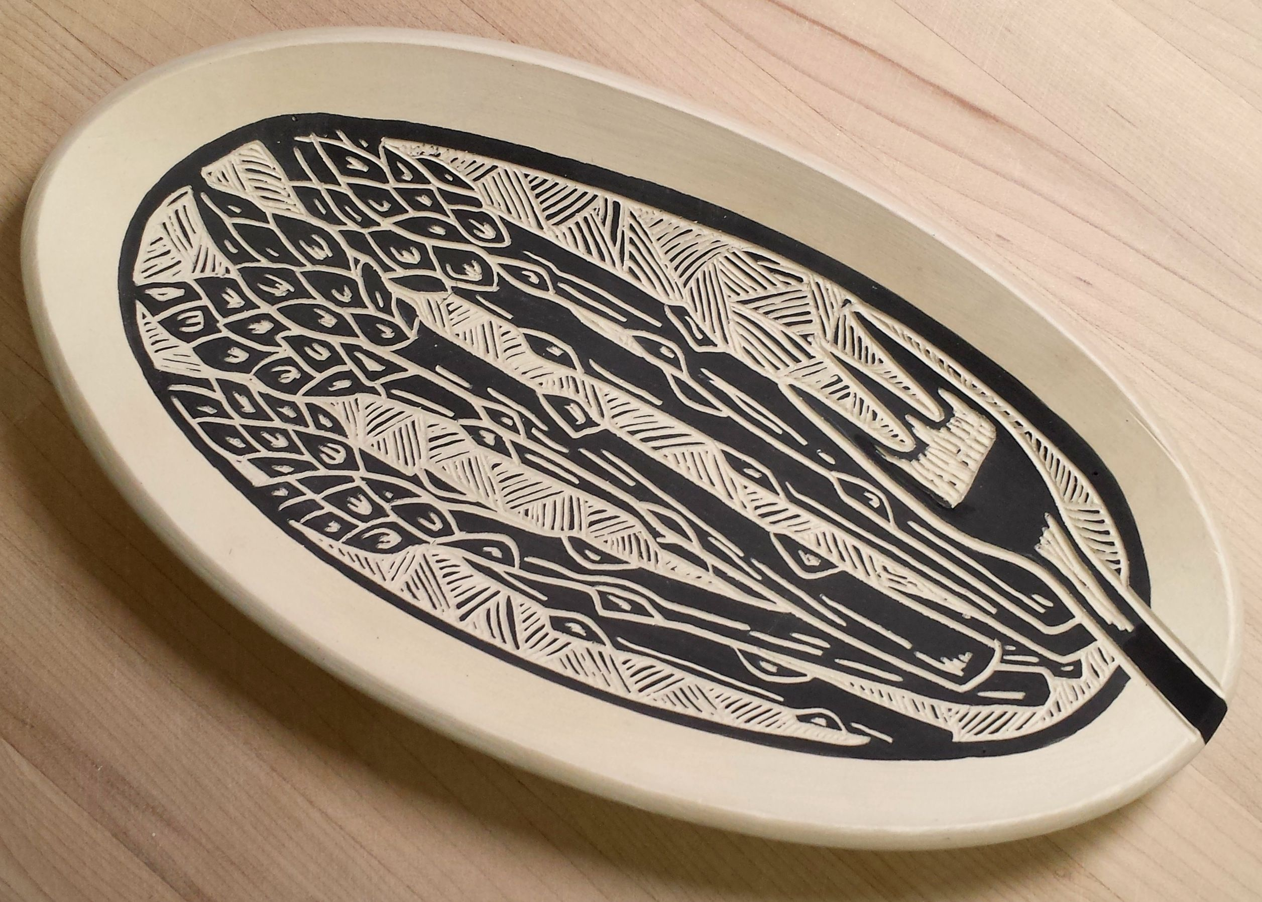 Laurie Landry Sgraffito asparagus tray www.laurielandrypottery.com