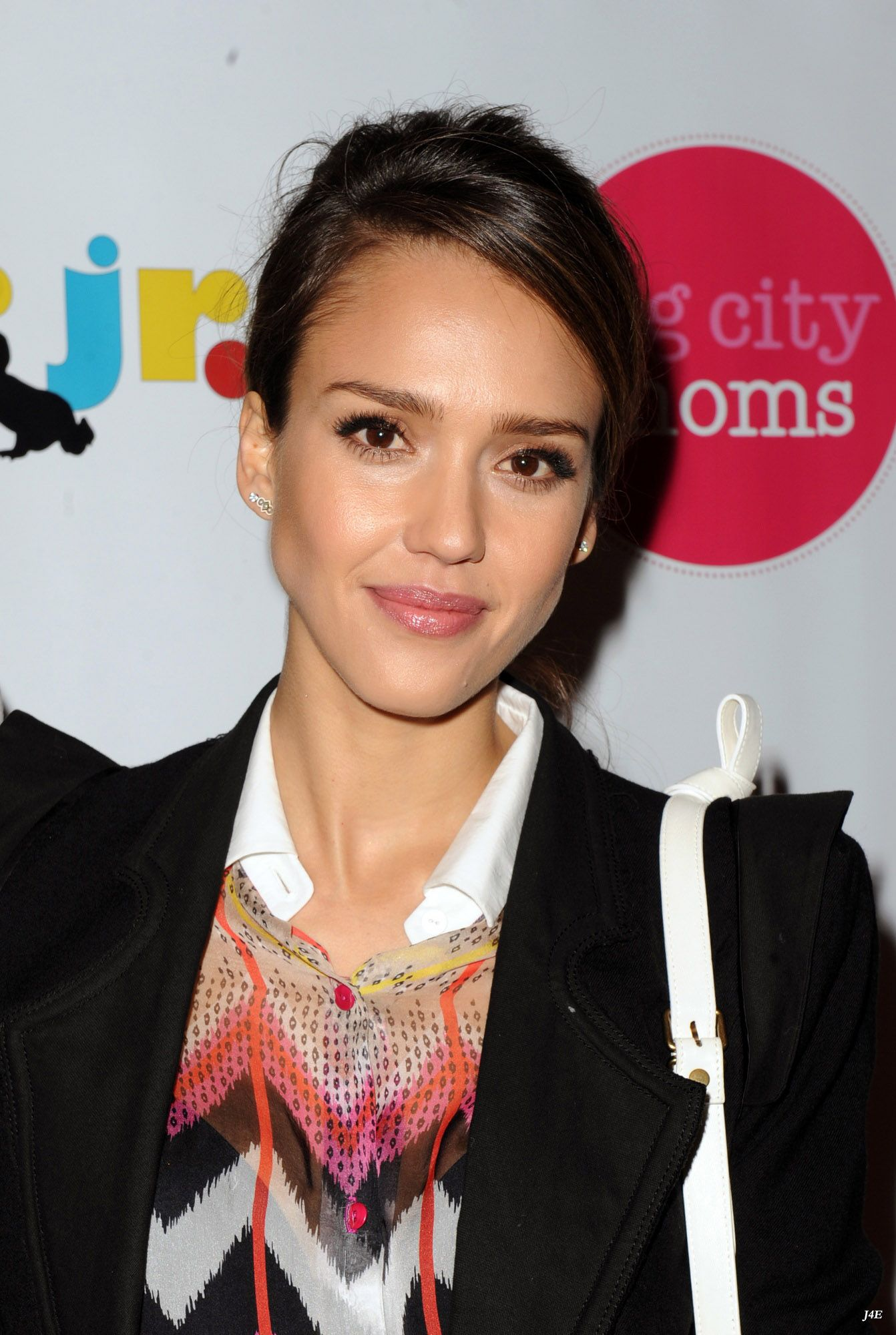 Jessica_Alba_at_The_Biggest_Baby_Shower_Ever_-_May_09_2012_061.jpg Click image to close this window