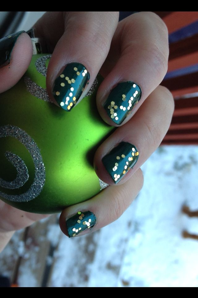 Christmas nails | Nail art | Pinterest