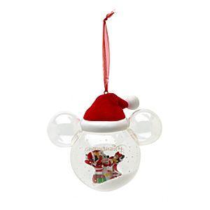 Disney Boule bonhomme de neige Mickey et Minnie Mouse | Disney StoreBoule bonhomme de neige Mickey et Minnie Mouse - Le c�l�bre couple est repr�sent� parmi les cadeaux et les paillettes � l'int�rieur de cette jolie boule en verre. Dans la boule en forme d'oreilles de souris, Mickey et Minnie Mouse profitent des festivit�s tout en faisant un bonhomme de neige!