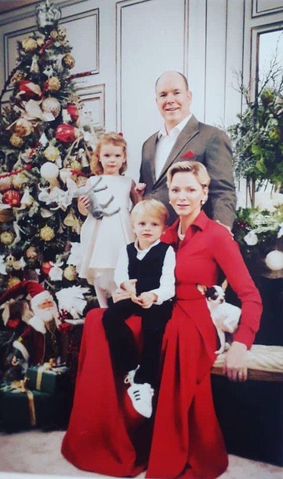 Prince Jacques et Princesse Gabriella, 15 décembre 2018, Carte de voeux | Princess charlene ...