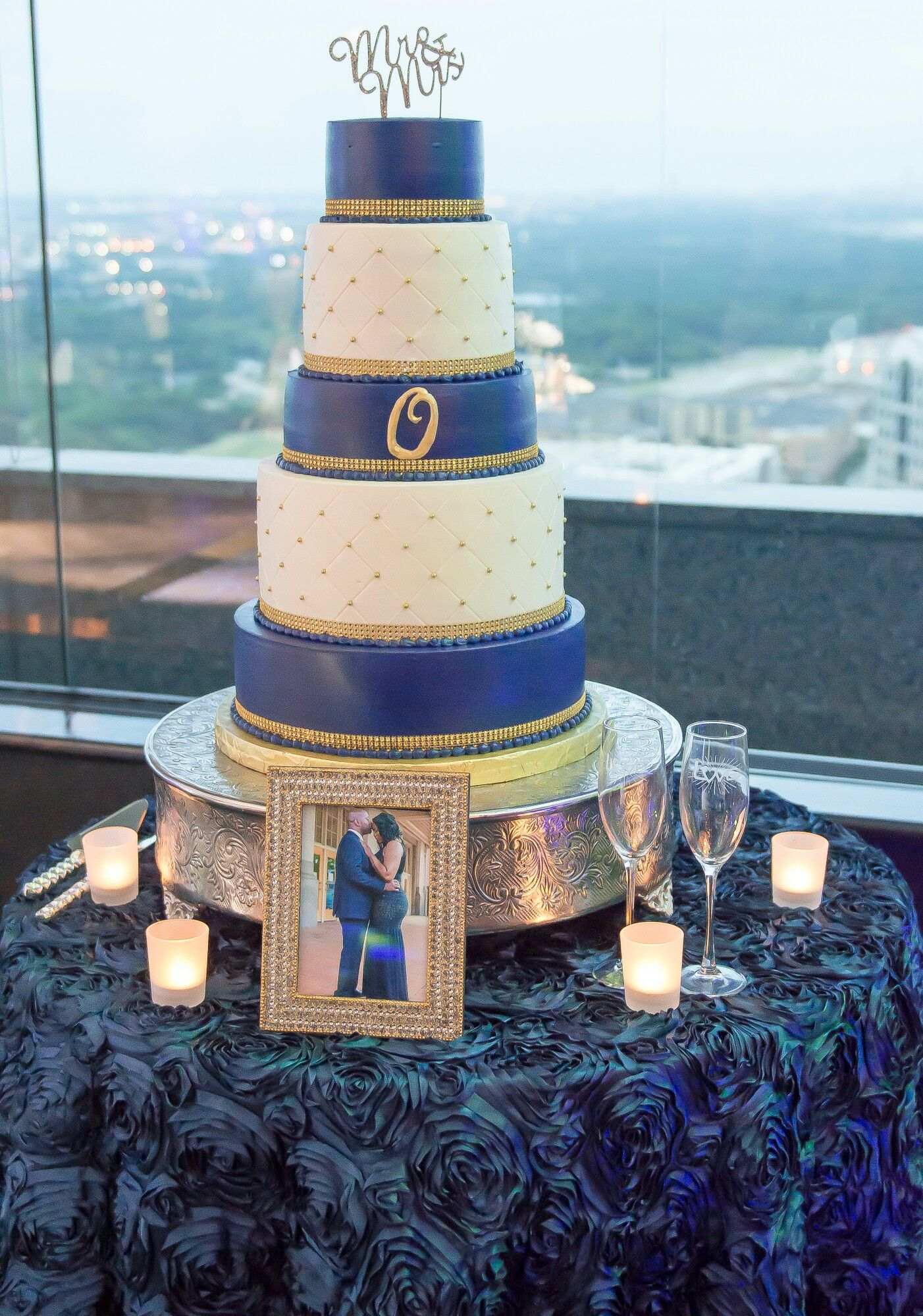 How We Planned Our Wedding In 6 Months Navy Blue And Gold Wedding Navy Gold Wedding Gold Wedding Cake