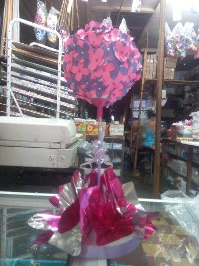 Centro de mesa flores de papel.