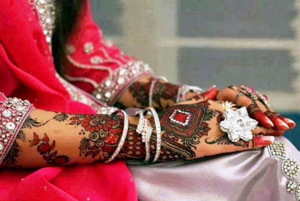 Mehndi Hands With Mobile : Bridal mehndi design pictures download pinterest