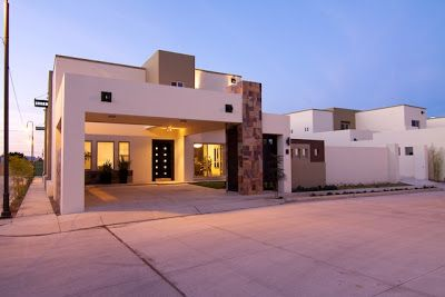Fachadas de casas modernas lujosa fachada contempor nea y for Fachadas de casas modernas en hermosillo
