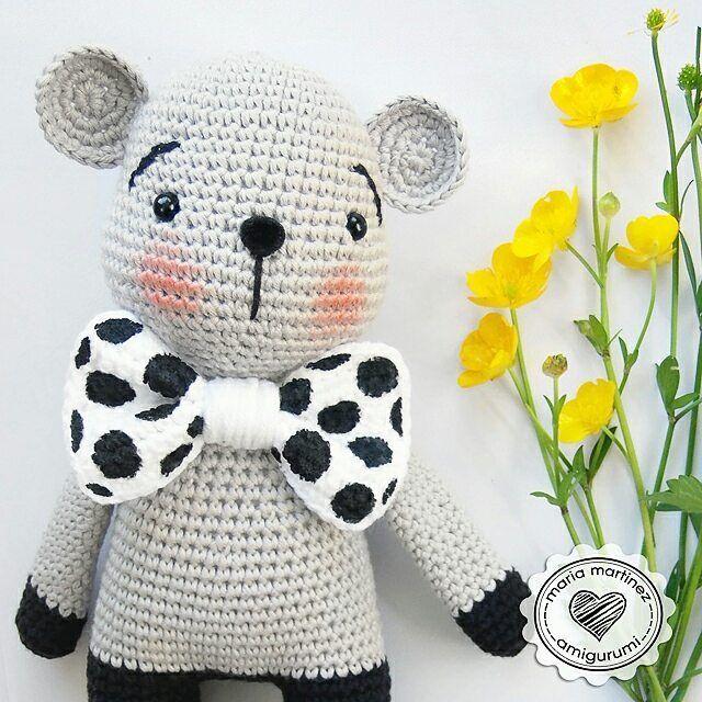 How cute is this little mouse / Qué lindo ratón con su pajarita de ...