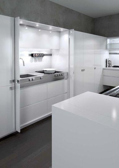 une cuisine ouverte discr te qui se cache cucine pinterest hidden kitchen interior design. Black Bedroom Furniture Sets. Home Design Ideas
