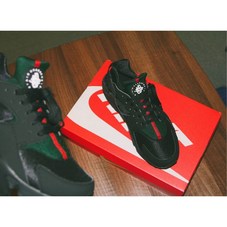 Shop Women's Gucci Green Red size Sneakers at a discounted price at  Poshmark.
