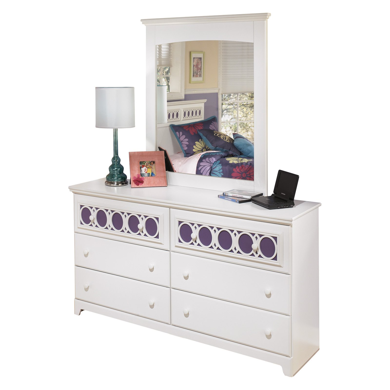 Signature Design By Ashley Zayley 6 Drawer Dresser With