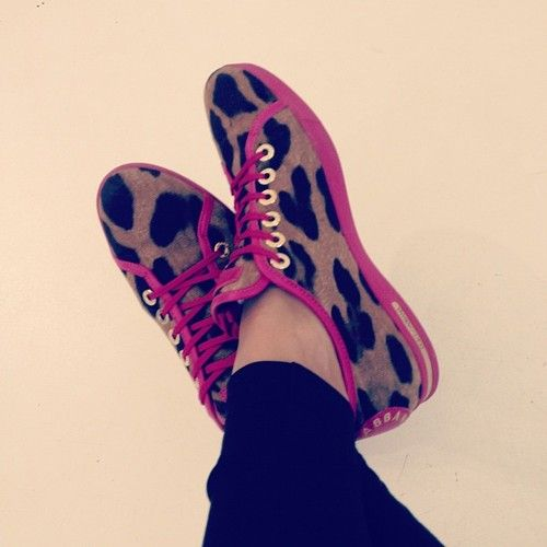 #love #dolce #and #gabbana #shoes #sneakers #leopard #pink #shopping #bj (Taken with Instagram)