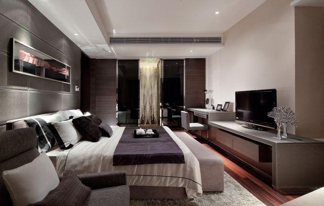 luxus schlafzimmer beige braun akzentwand stoffplatten - Schlafzimmer Luxus Modern