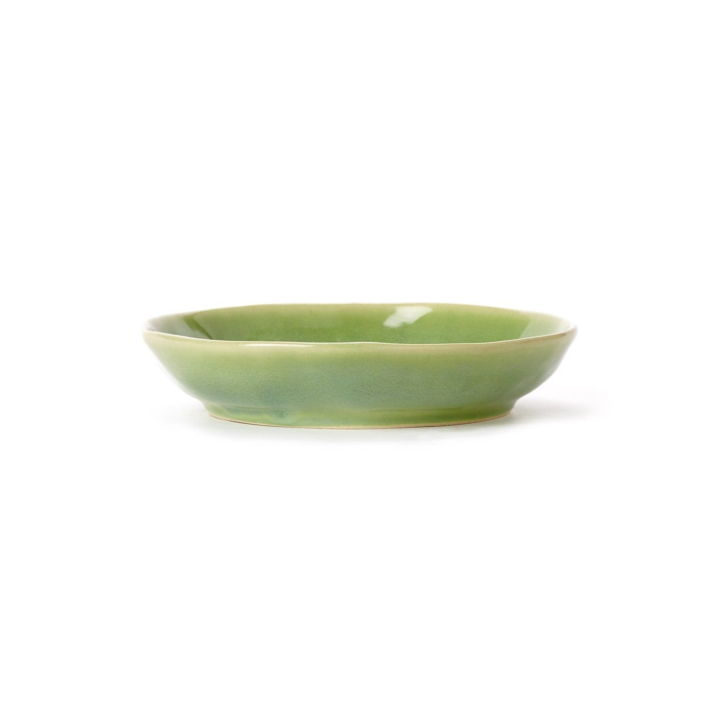 The Forma Leaf Pasta Bowl is made from the strongest Italian stoneware, and its ample, handformed shape make it a charming piece on your table. The fresh green hue looks beautiful both on its own or mixed with other Forma shades or dinnerware collections.