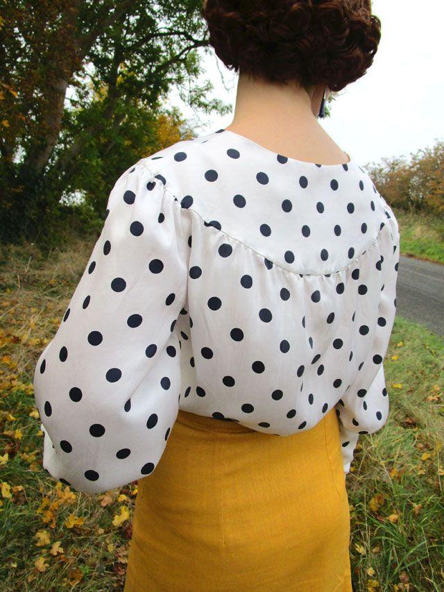 1930s blouse yoke detail