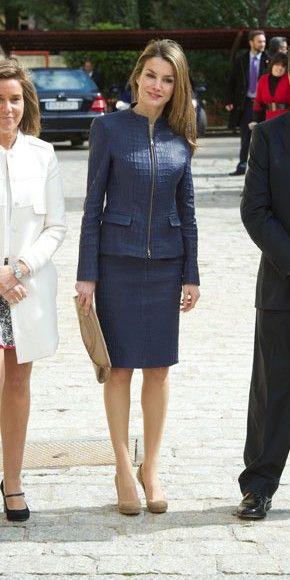 El look del d a realeza pinterest fashion leather y for Oficinas adolfo dominguez madrid