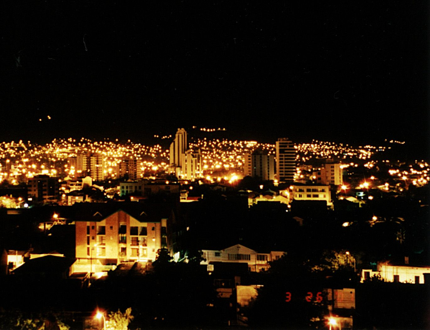 Cochabamba At Night I M Gonna Go Here Someday To See My Handsome Nature Aesthetic Paris Skyline Skyline