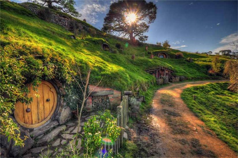 Pin By Andrea On Lotr Hobbit New Zealand Landscape Lord