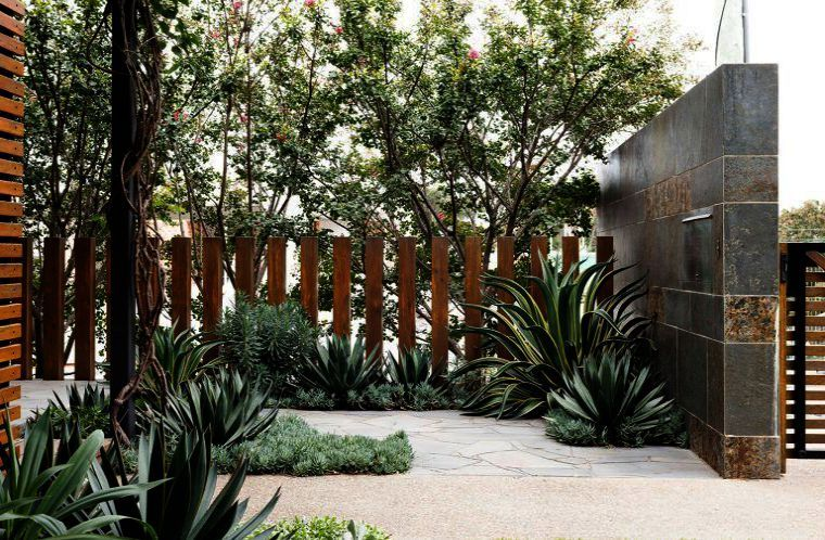 Landscape Architecture Design Tips By Landscape Gardening Kingston Upon Thames That Landscape Garde Backyard Fences Landscape Design Succulent Landscape Design