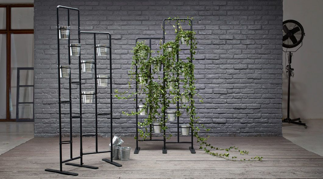 socker plant stand display of plant stands with galvanized plant pots would be awesome. Black Bedroom Furniture Sets. Home Design Ideas