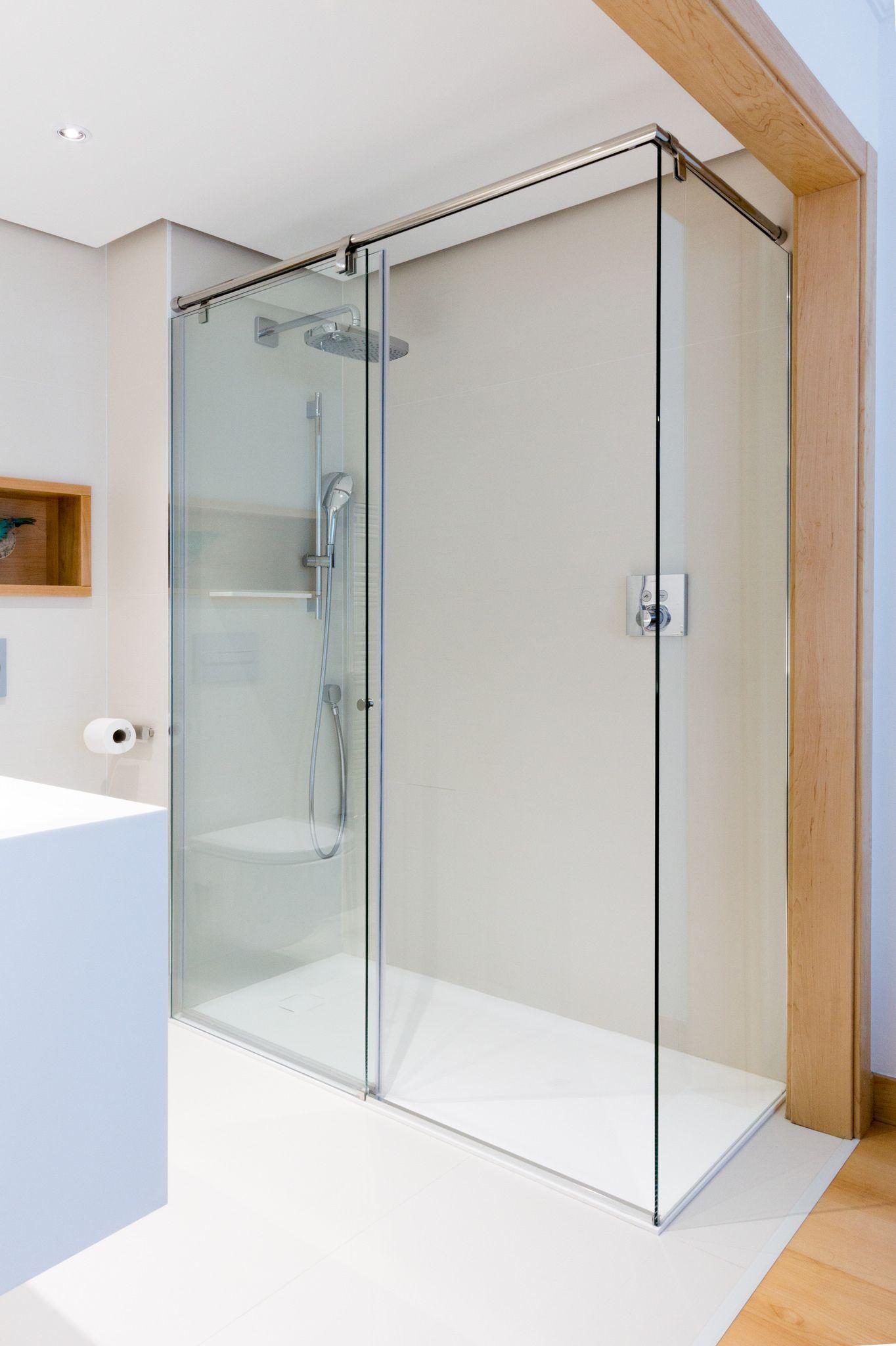 Encoba21 ba o blanco con mueble y plato de ducha for Mueble bano blanco