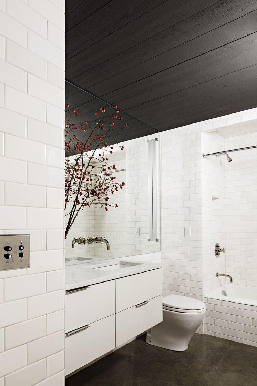 Jessica-Helgerson-Interior-Design-Portland-Loft-Bathroom-©-Lincoln ...