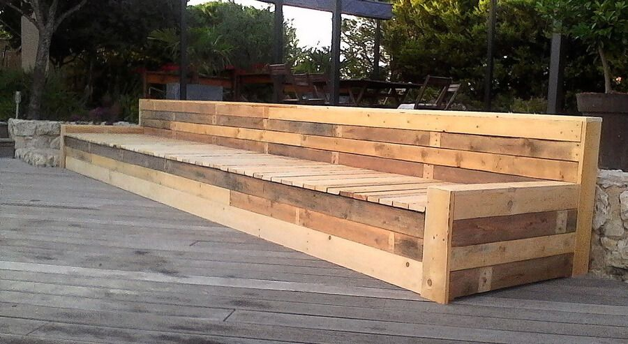 Long Bench Made with Reused Wood Pallets | pallet projects