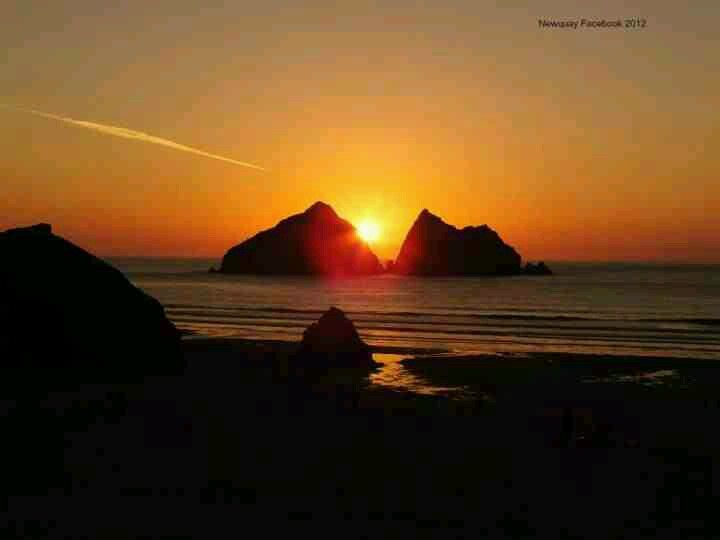 Hollywell Bay Cornwall England Cornwall England England Travel Places To Visit