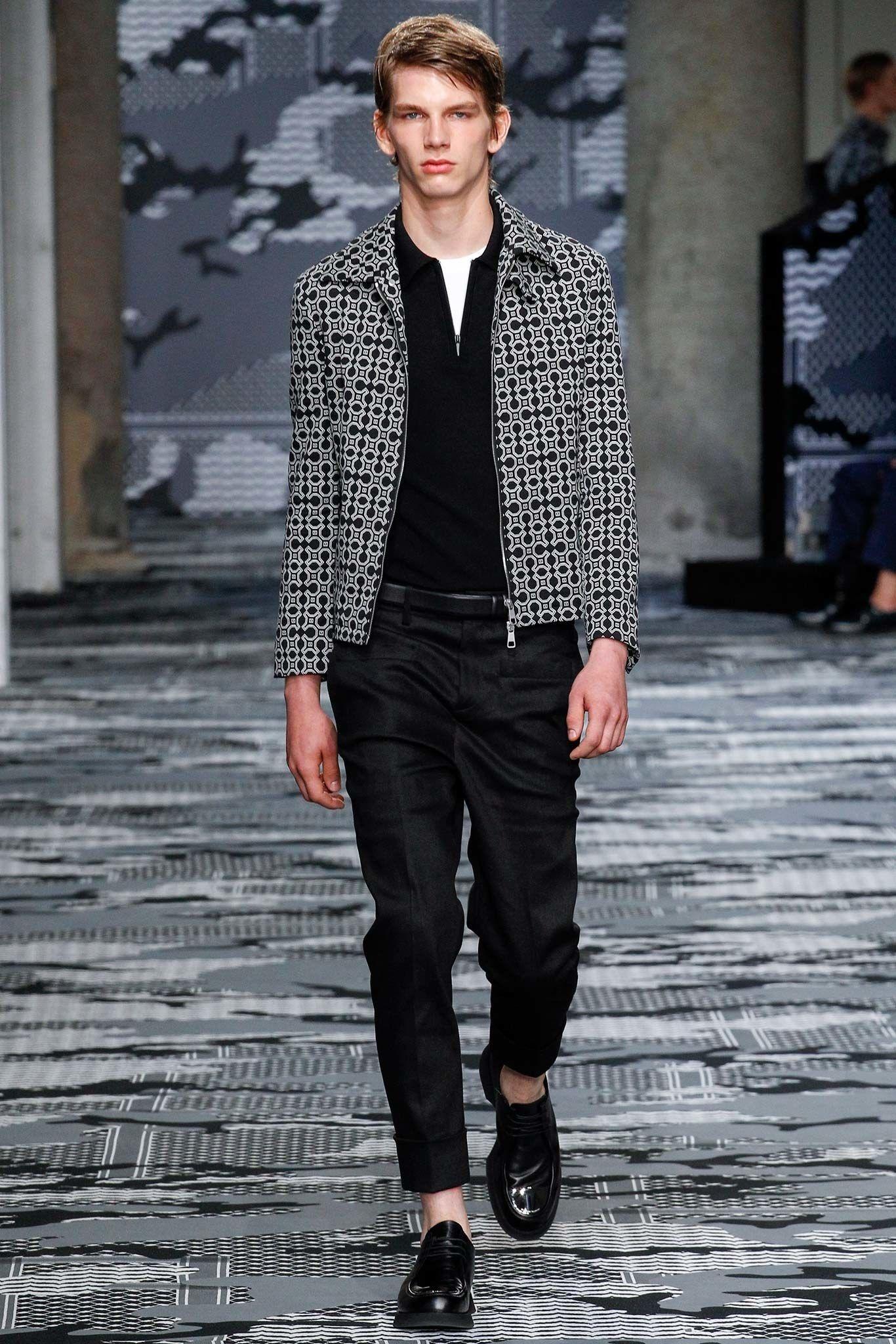 3525064f Neil Barrett Spring 2016 Menswear Fashion Show in 2019 | Modern Mens ...