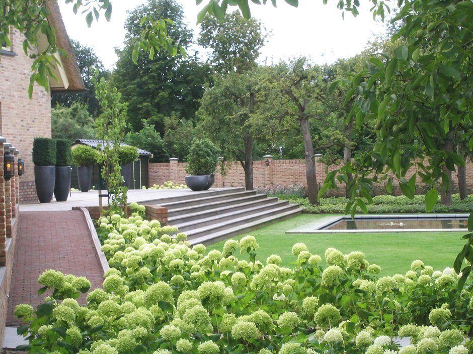 Hortensia s vijvertuin jaarsveld tuinen strak tuinontwerp