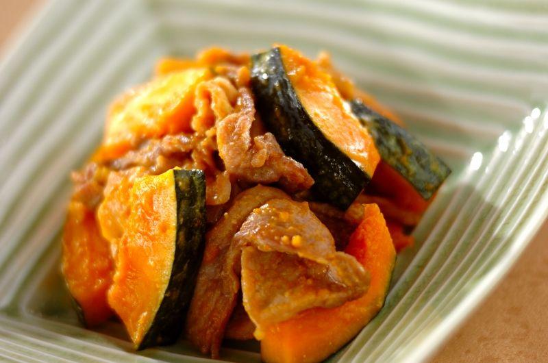 みそと相性のよいカボチャと豚肉を合わせたご飯がすすむ主菜