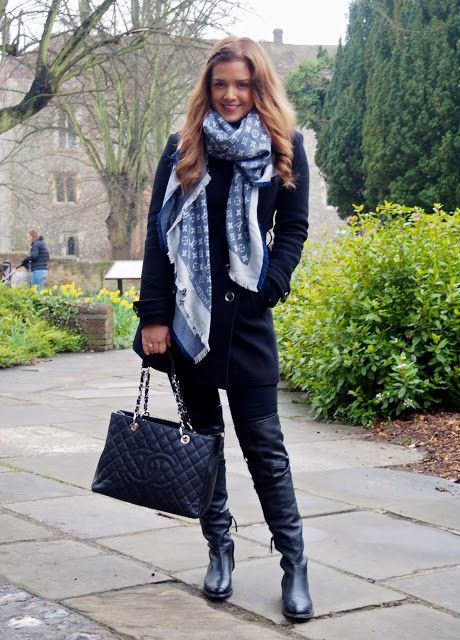 Louis Vuitton scarf   Scarves   Pinterest   Mode, Foulard and Echarpe 4bfed241995