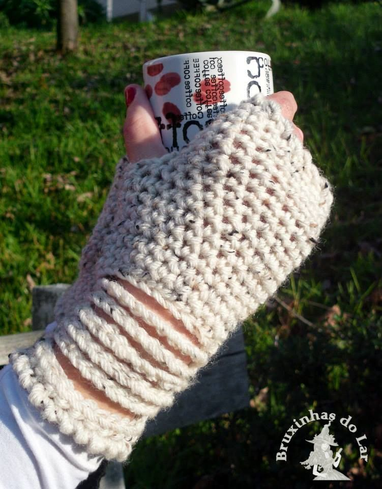 Fingerless gloves with chains. Other colors ----> Luvas sem dedos com abertura no pulso. Outras cores