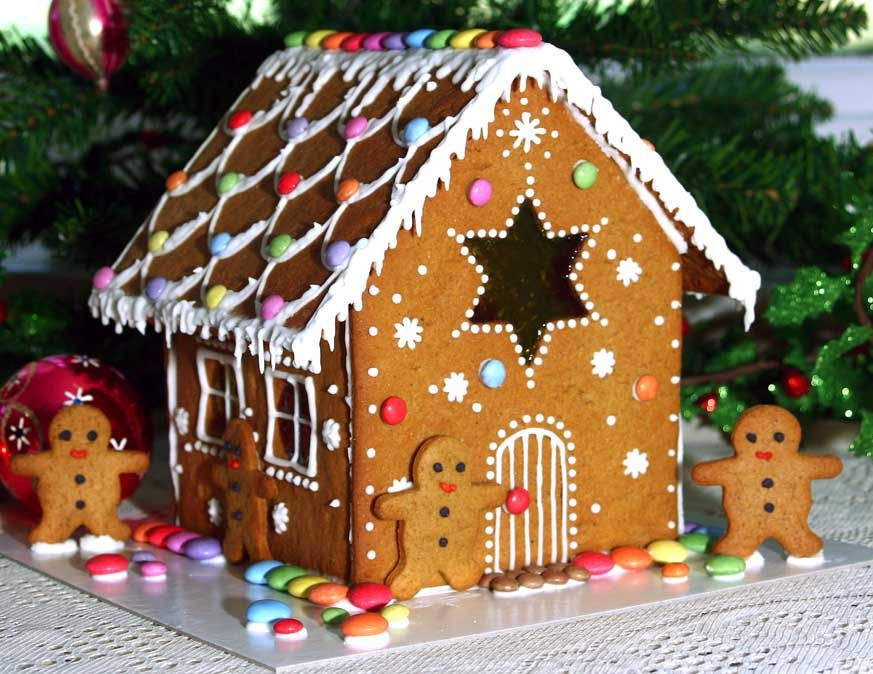 Gingerbread Houses Pictures | Ginger Bread Houses   With Thanks To The  Great British Bake Off