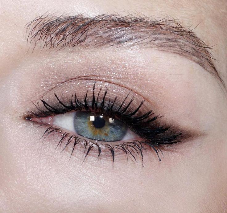 """359 Likes, 40 Kommentare – Katie Jane Hughes (Katie Jane Hughes) auf Instagram: """"… – Schönheit   – makeup eyes"""