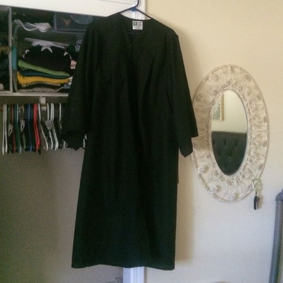 Graduation cap and gown! Yes I have the cap | My Posh Picks ...