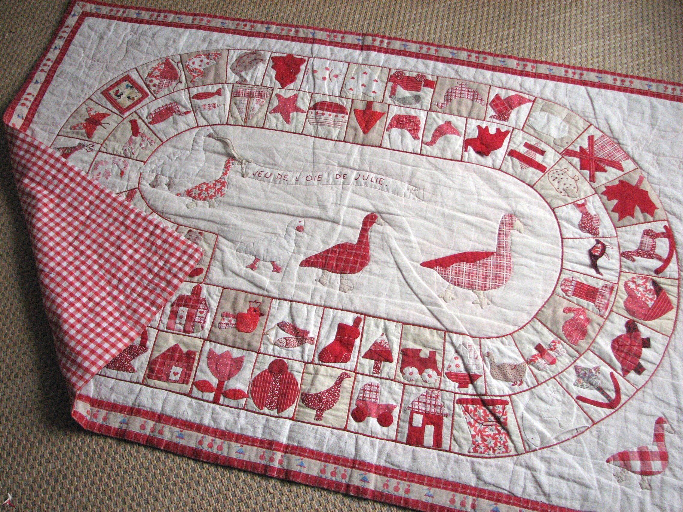 le jeu de l 39 oie tapis jeu enfants patchwork appliqu couture art du fil karacole loisirs. Black Bedroom Furniture Sets. Home Design Ideas