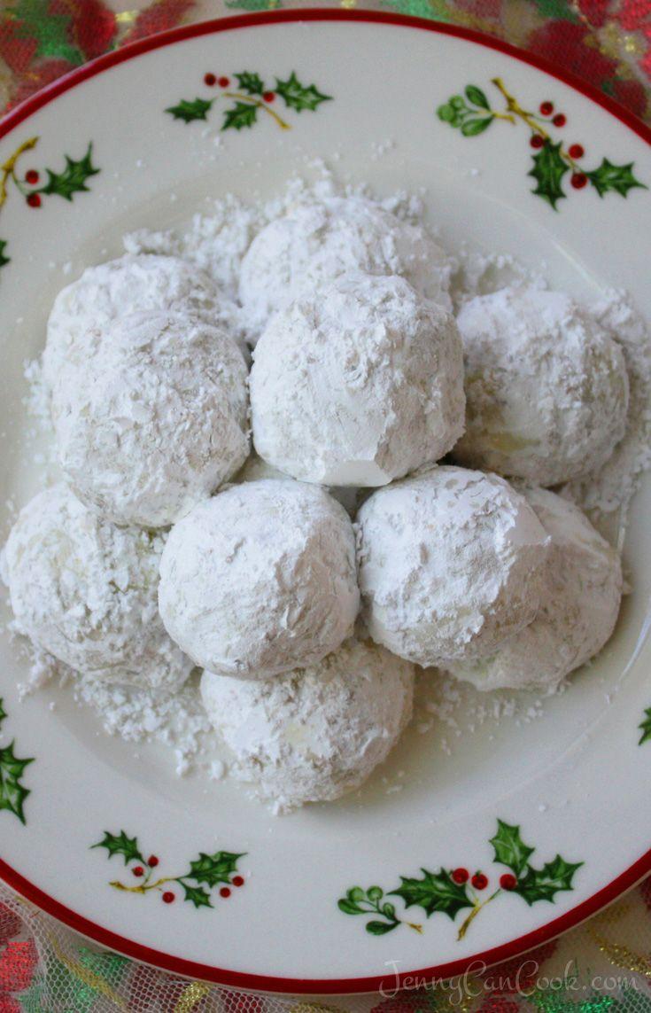 Easy Christmas Pecan Balls