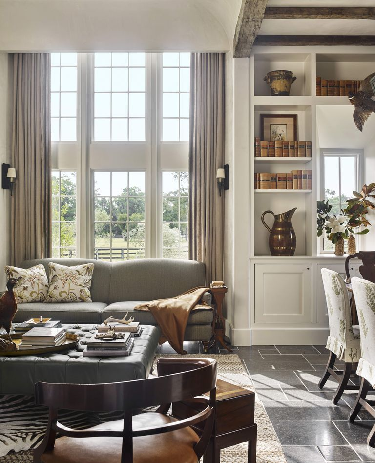 Seven On Sunday The Enchanted Home In 2020 Home Cottage Living Rooms Interior